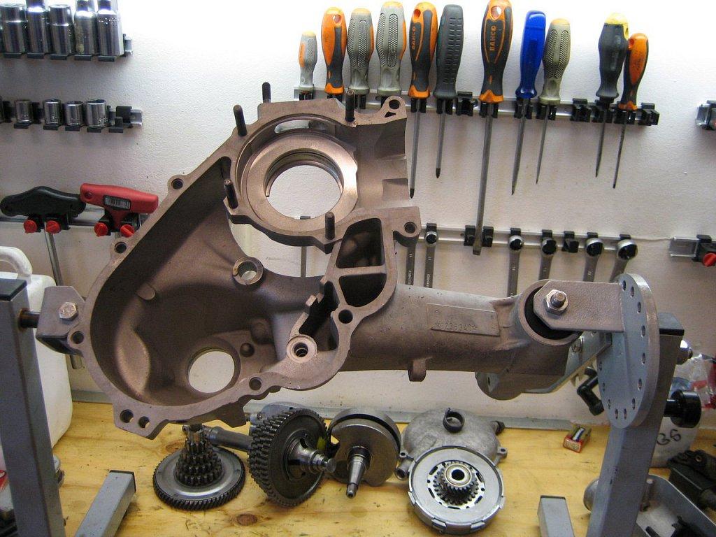 Vespresso-P200-85-Motorblok-Opbouw-022.jpg